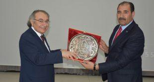 """Prof.Dr. Nevzat Tarhan'dan """"Değişen Dünya ve Aile"""" Konferansı"""